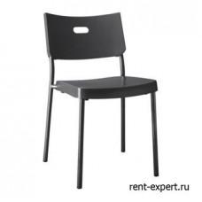 Пластиковый стул на металлическом каркасе
