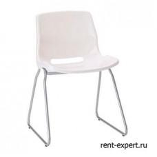 Легкий пластиковый стул на металлическом каркасе